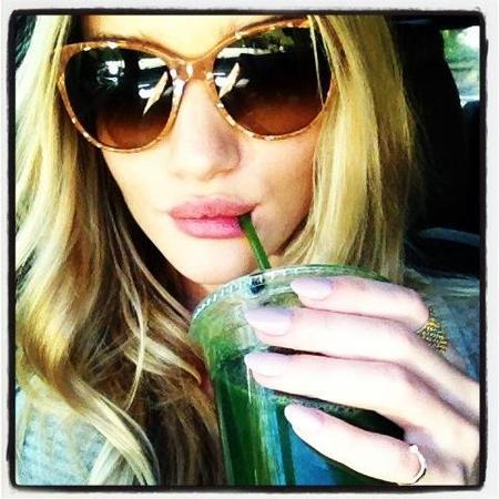 rosie huntington whiteley green juice 5dd2f
