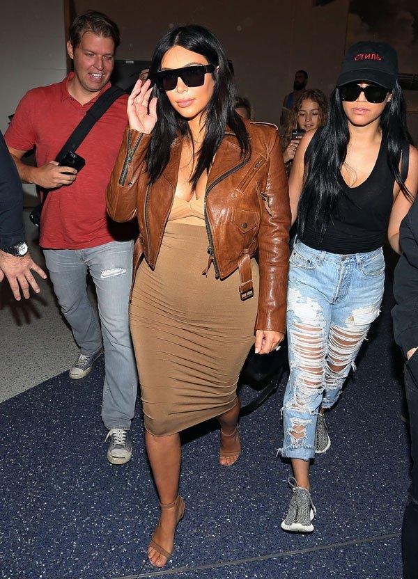 kim-kardashian-shrinking-baby-bump-008 d4425
