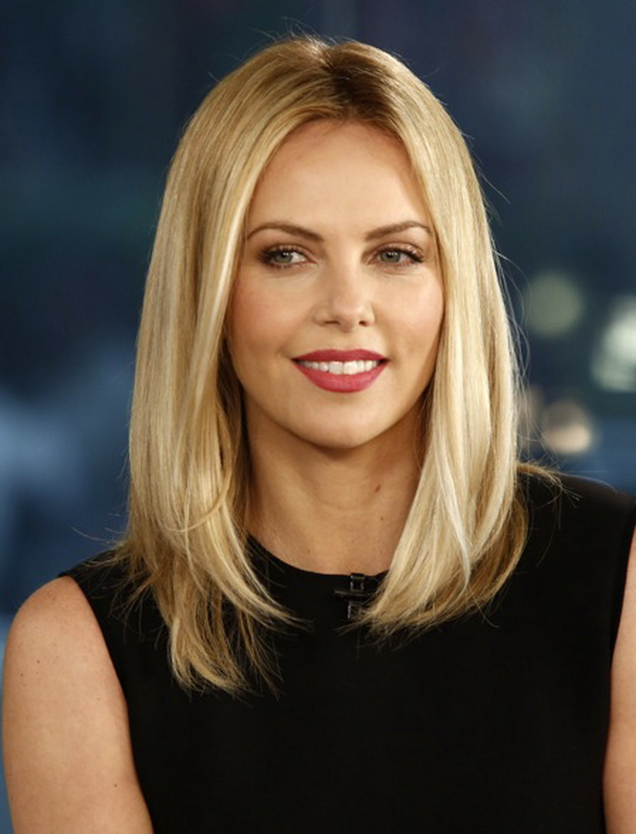 charlize-theron-straight-blonde-lob-2016 d2040