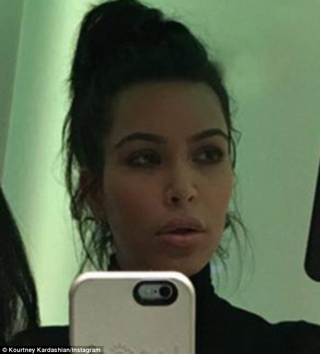 3089778700000578 0 What s up with Kim s face Many fans speculated Kim had used her m 5 1453662671872 e2f26