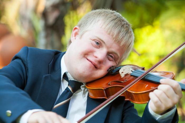 violinist with down syndrome 03a48